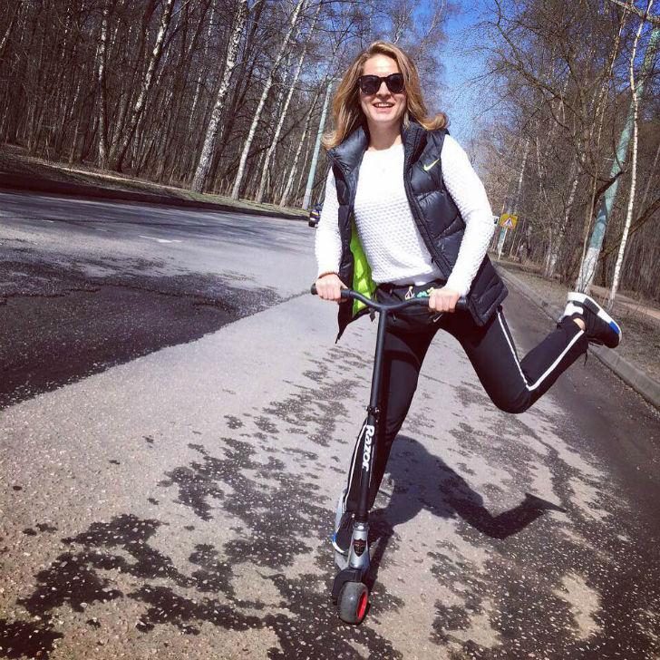 Галима Ахмадуллина Хедхантер и триатлонист Самокат — Razor Black Label R-Tec 1. Прогулка на самоката