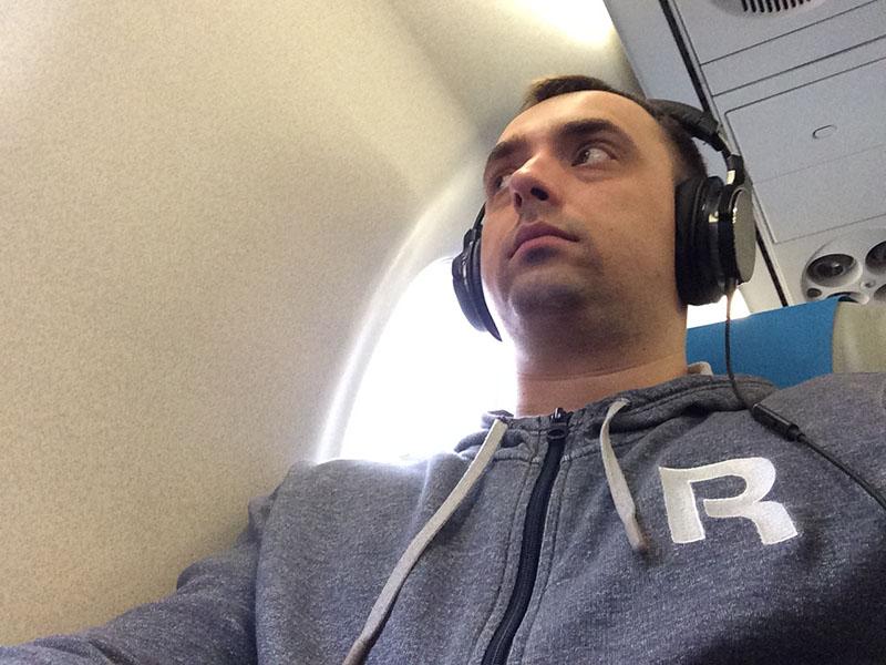 Комментарий Александра: «Я сравнивал Audio-Technica ATH-MSR7NC с обычными каплями — в метро, в поезд
