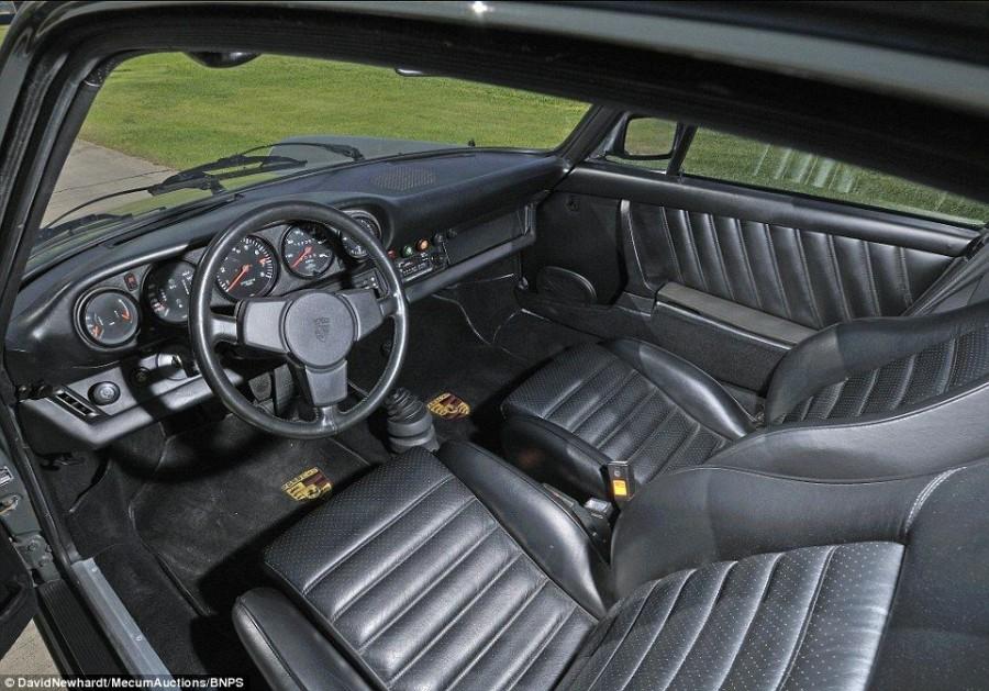 3. Когда Маккуин получил свой заказ, он добавил эффектные 8« передние и 9« задние колеса.