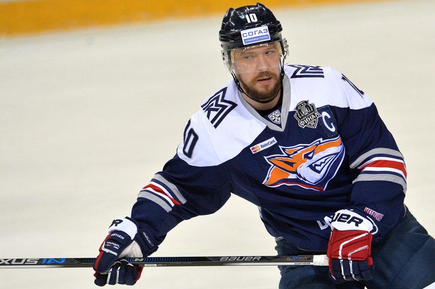 Легенды хоккея: Мозякин повторил рекорд Михайлова