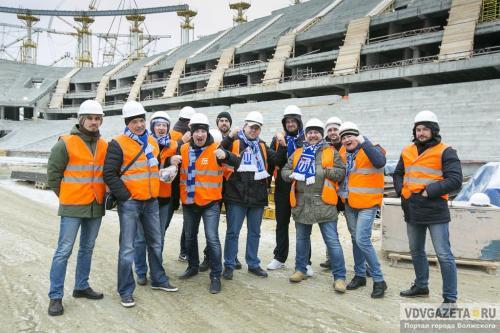 Футбольные болельщики впервый раз поднялись натрибуны стадиона «Волгоград-Арена»