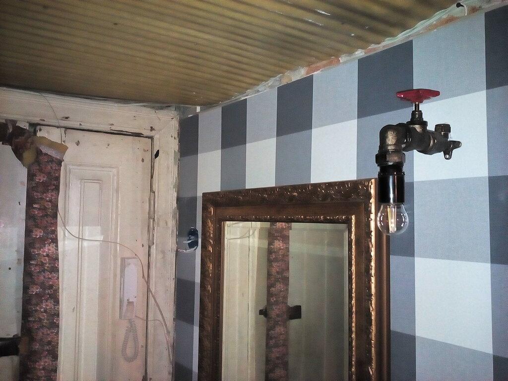 Светильник в стиле лофт из водопроводной арматуры.
