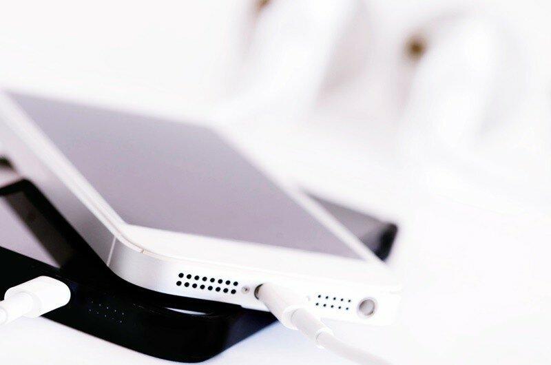 Почему iPhone не хочет заряжаться?