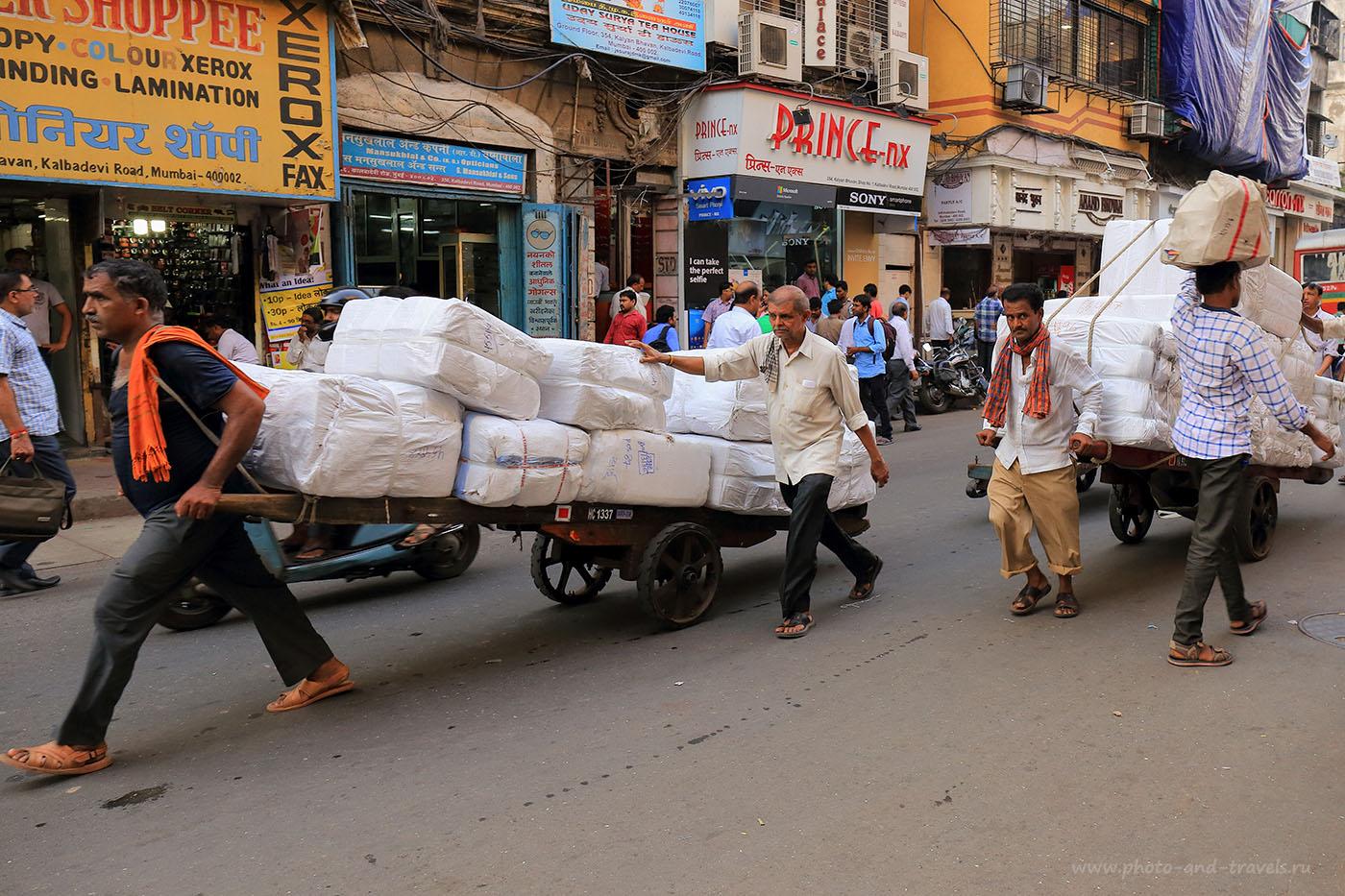 Фотография 7. Грузчики в Мумбаи. Отдых в Индии. Отчеты туристов. (24-70, 1/160, 0eV, f8, 24 mm, ISO 640)