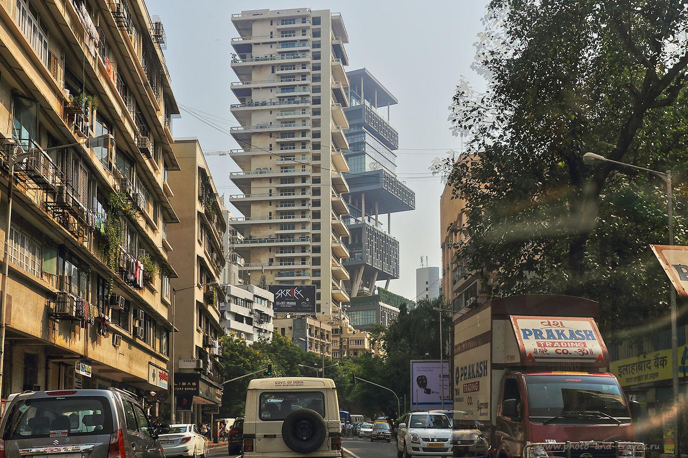 Фото 3. Особняк «Антилия» - второе здание по центру. Достопримечательности Мумбаи. Отчеты туристов о самостоятельном путешествии по Индии (24-70, 1/640 – 1/1250, 0eV, -1 eV, f7.1, 38 mm, ISO 100. HDR)