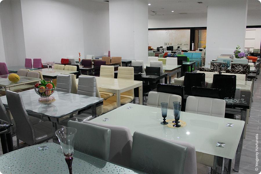зал с обеденными столами, FATA PLAZA, Маньчжурия