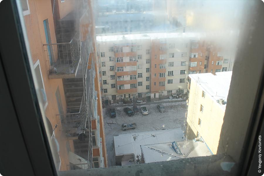 вид на внутренний двор из окна моего номера в гостинице Порт, Маньчжурия