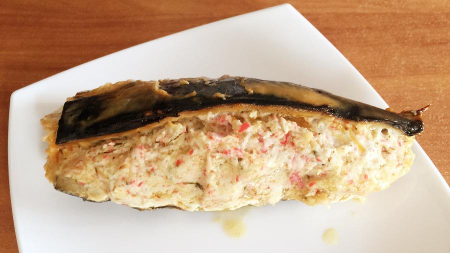 Скумбрия запечённая в фольге с крабово-сырной начинкой
