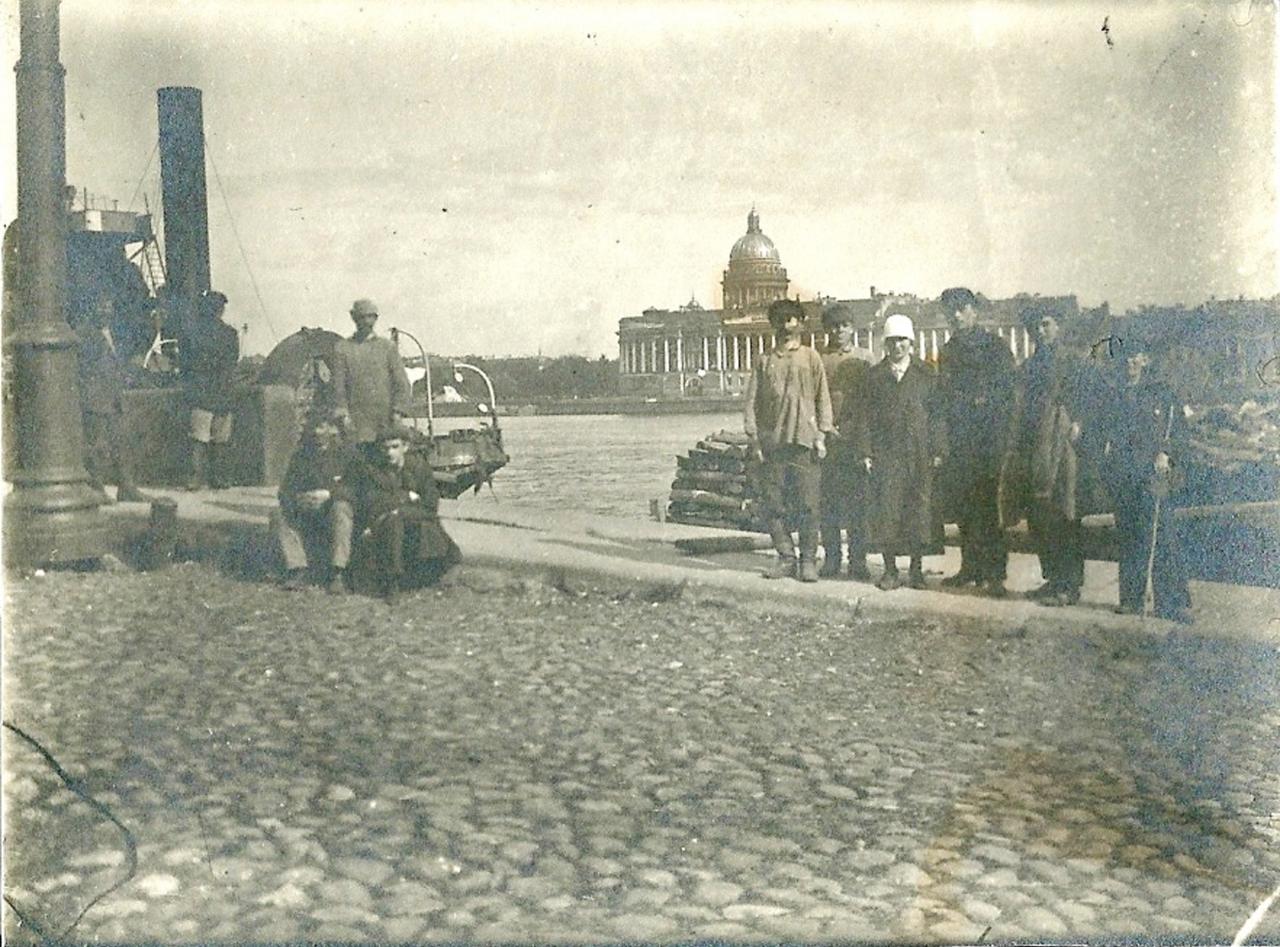 1925. Ленинград. На Неве