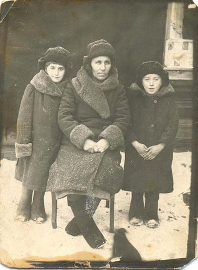 Сельская учительница из сибирской глубинки и её дети