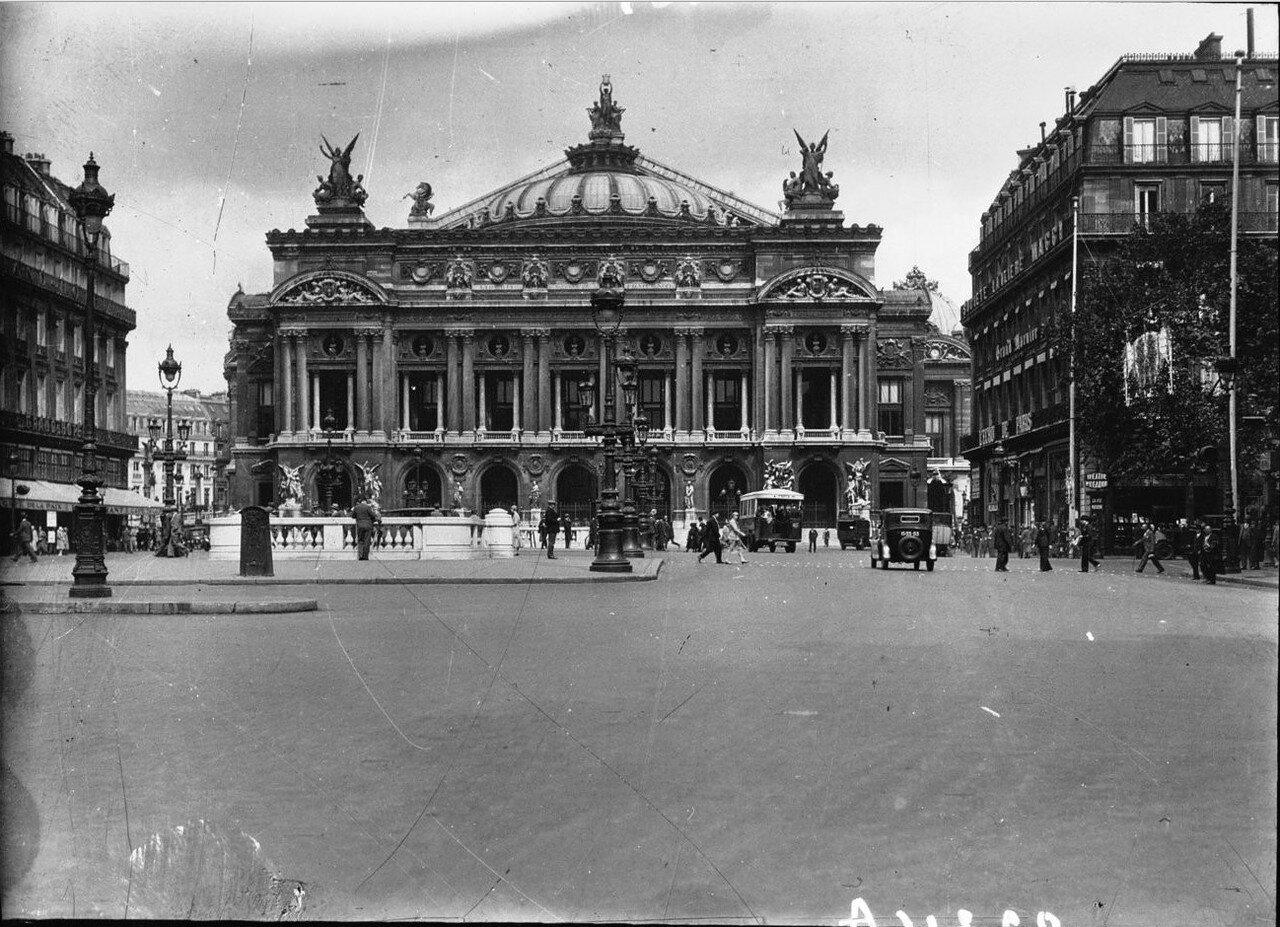 1930. Площадь Оперы