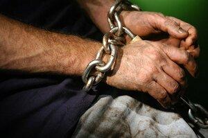 Полицейский продавал людей в трудовое рабство за брынзу