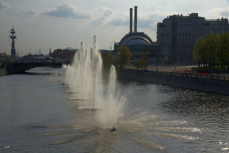 Фонтанный комплекс на Водоотводном канале