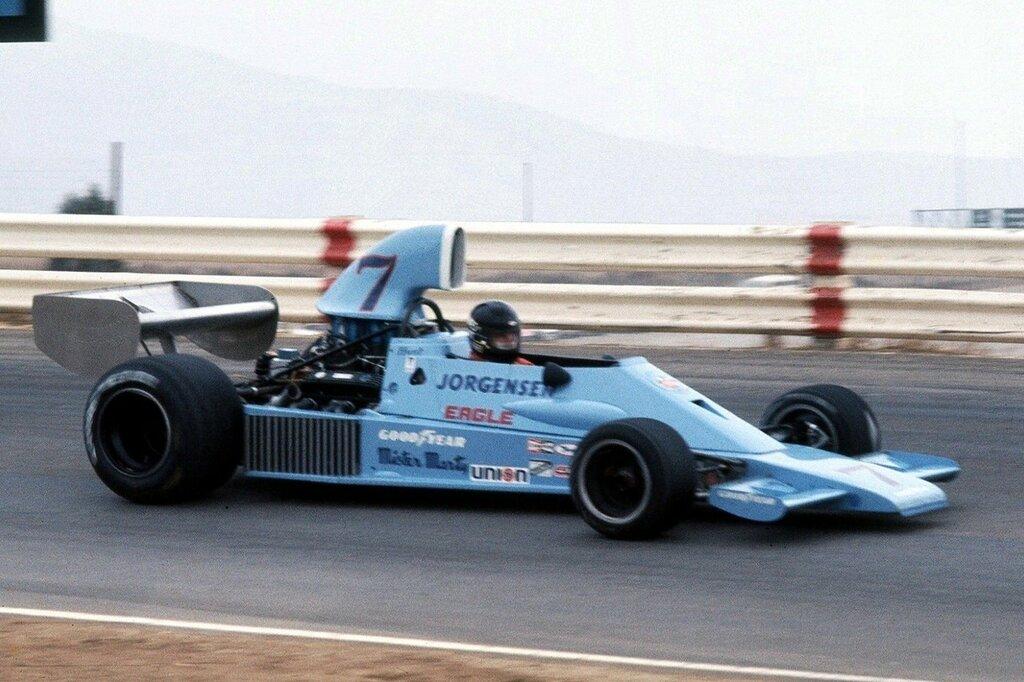 James Hunt Riverside 1974 Eagle F 5000.jpg