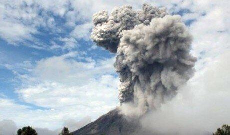 В Мексике проснулся самый активный вулкан - Колима