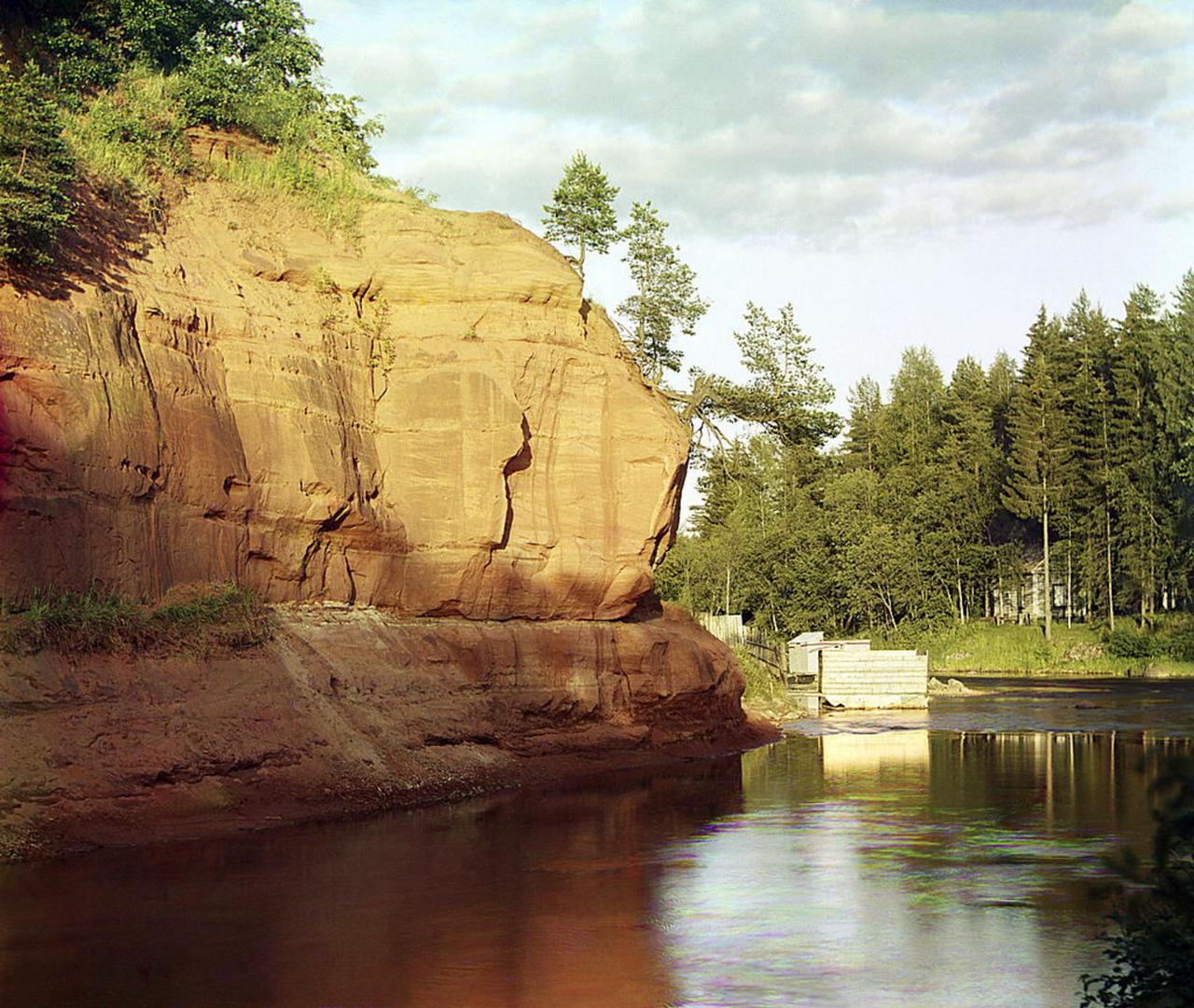 На реке Оредеж близ станции Сиверская