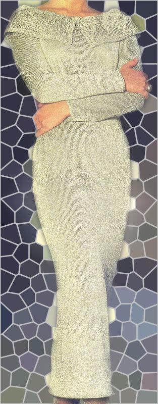 Вязаное платье с кружевным воротником