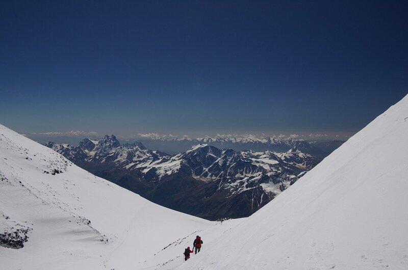 спуск с западной вершины Эльбруса