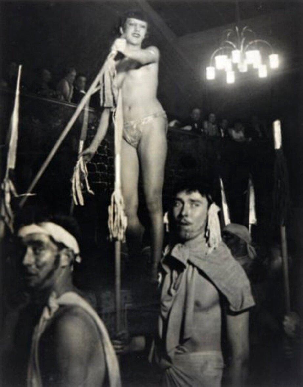 1931. Ежегодный «Бал четырех искусств». Париж