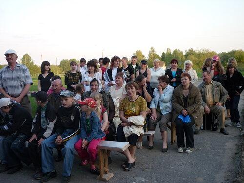 7 мая 2010 года.Наши односельчане - благодарные зрители!