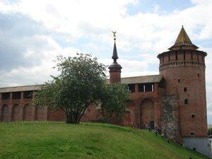 """Кусочек стены и """"Маринкина"""" башня"""