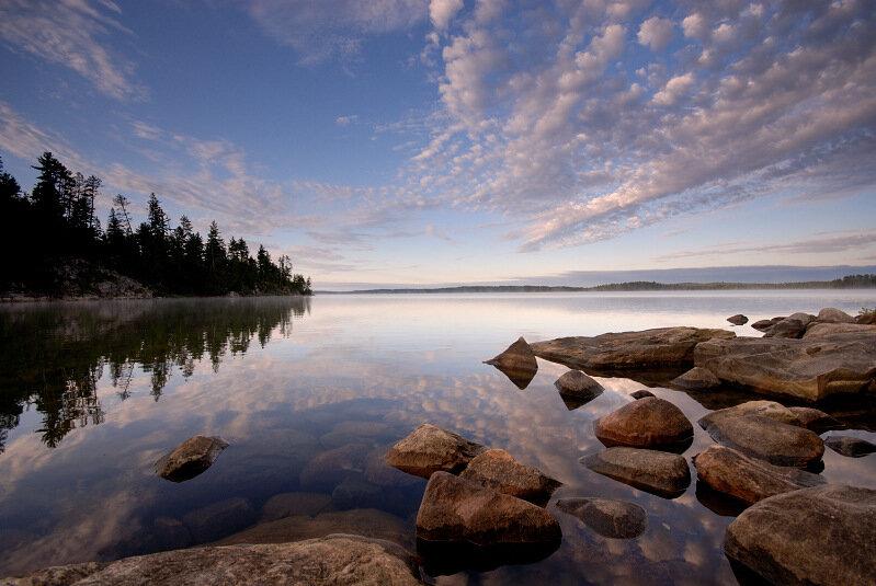 тихая гладь озера
