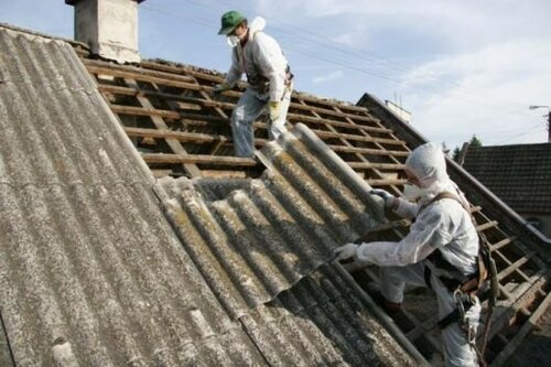 Крыши домов в Молдове запретили крыть материалами с асбестом