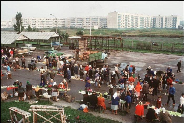 Переслав, городок в 60 км к югу от Киева, 1988 год. Фотограф Бруно Барби (Bruno Barbey). 20. Рок-гру
