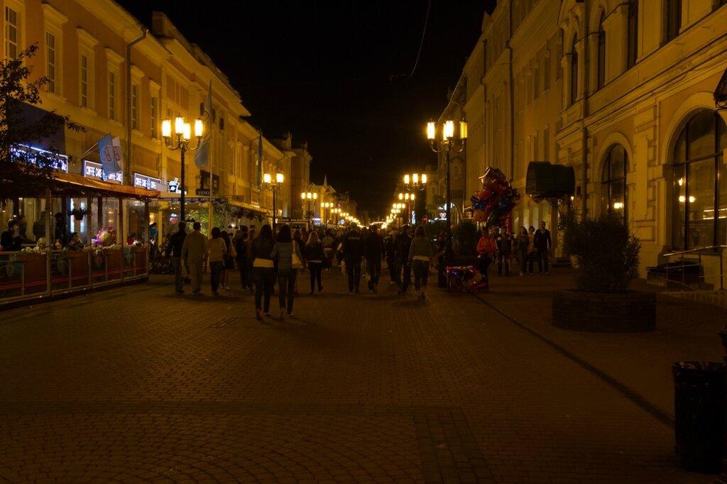 Большая Покровская улица вечером, Нижний Новгород