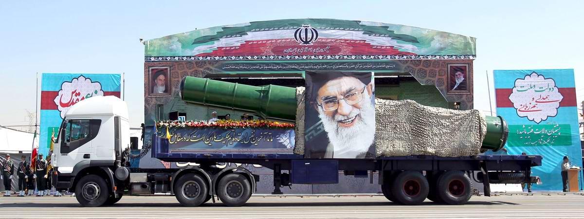 К 35-летию с момента начала ирано-иракской войны: Военный парад в Тегеране (15)