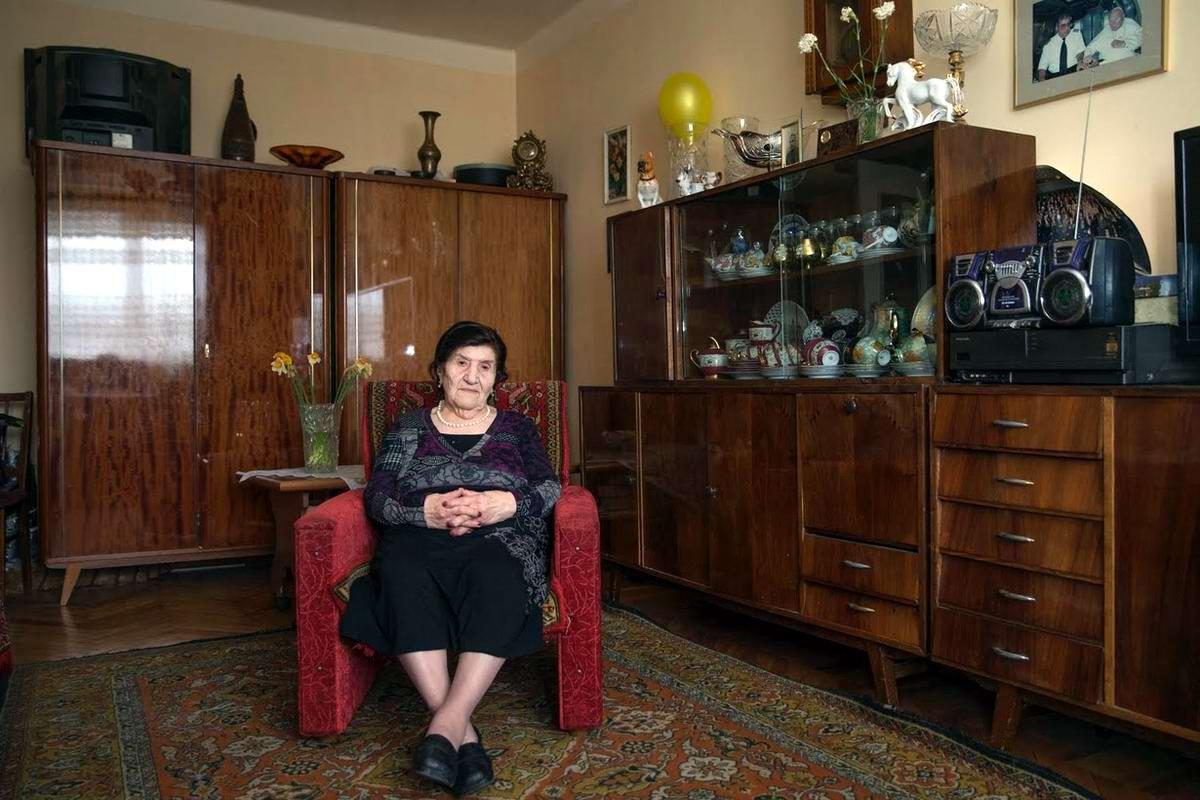 Розалия Абгарян служила в пехотных подразделениях с октября 1941 по декабрь 1945 года. Закончила войну в Праге, Чехословакия