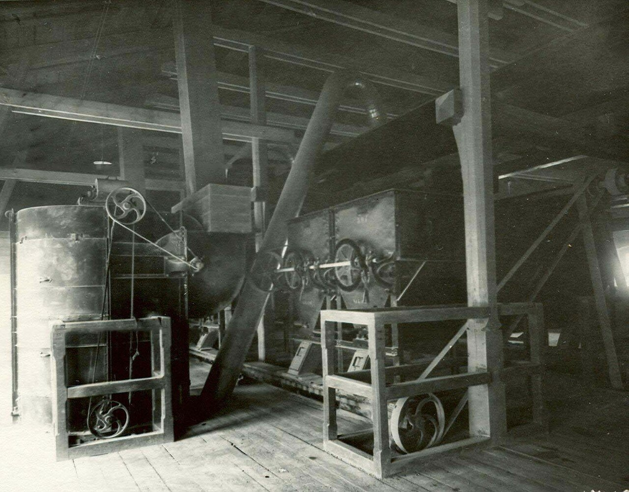 06. Внутренний вид одного из цехов завода