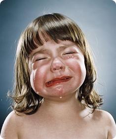 Почему малыши плачут