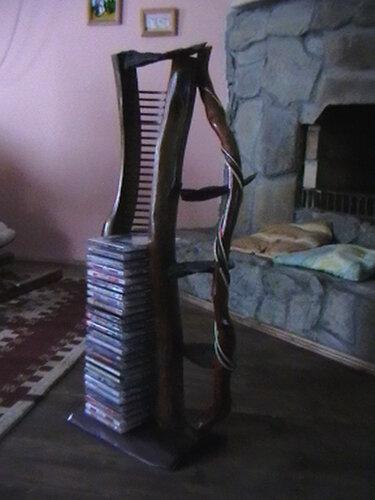 Подставка под DVD диски