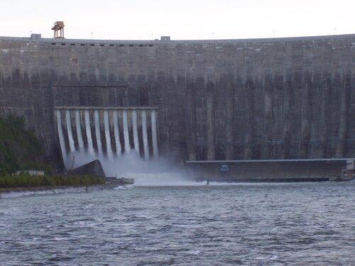Страх РусГидро перед обрушением плотины