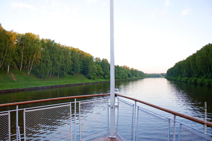 Канал имени Москвы с борта ретро-теплохода «Максим Горький»
