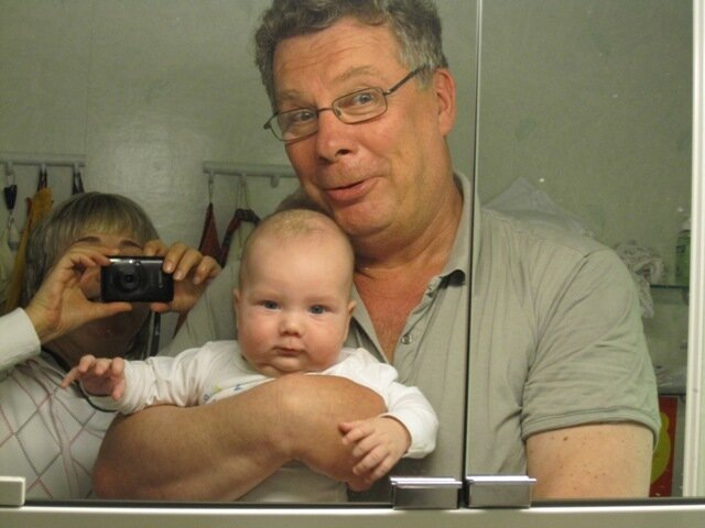Фотография семьи мыльницей в ванной
