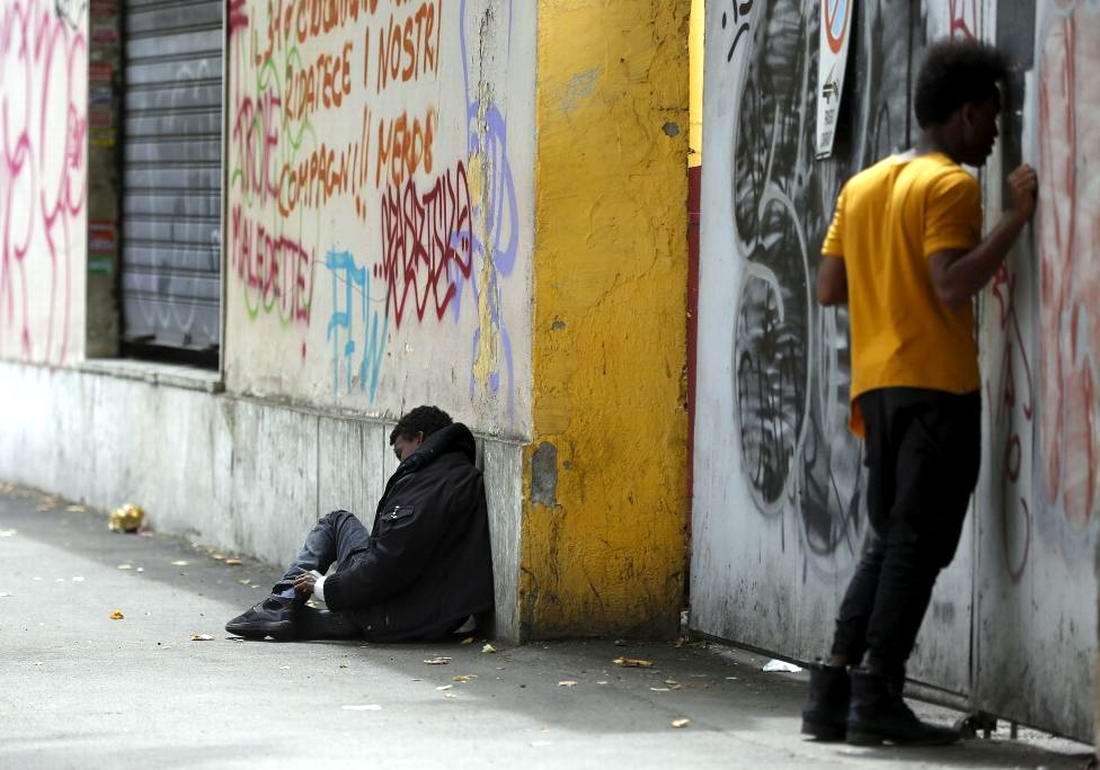 Ж/д вокзал итальянского Милана превратился в бомжатник: Миграционная политика ЕС (19)