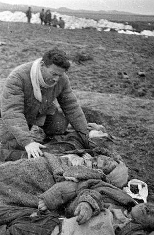 ¿Que es el Genocidio del Pueblo Soviético? - Página 6 0_41570_99ad2685_L