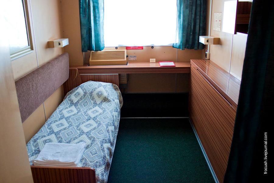 Двухместная одноярусная каюта №29 на шлюпочной палубе теплохода «Сергей Кучкин»