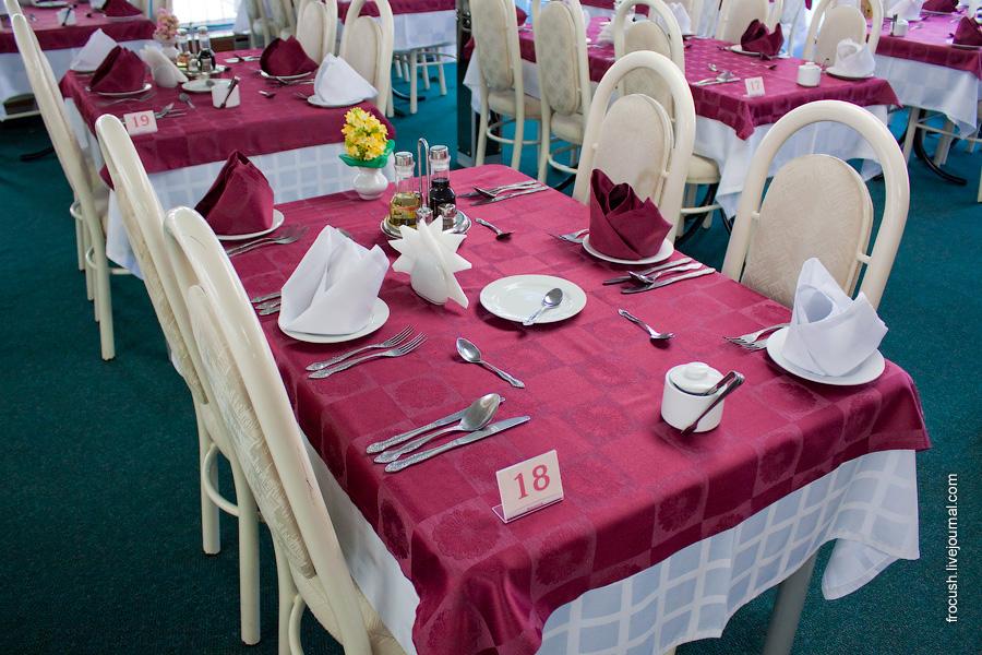 Ресторан «Волга» в кормовой части главной палубы теплохода «Сергей Кучкин»