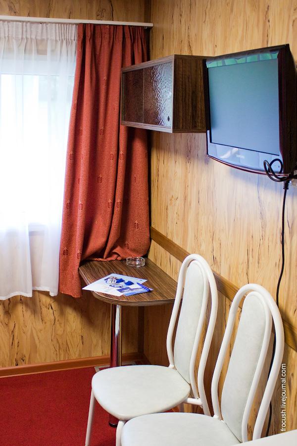 Двухместная каюта увеличенной площади «ПЛ2» №24 на средней палубе теплохода «Василий Чапаев»