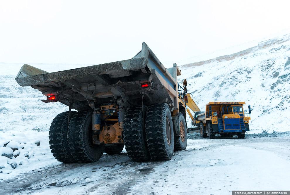 20. Запасы подземного рудника оцениваются специалистами в размере порядка 100 млн тонн, что обеспечи