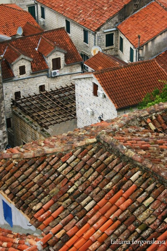 Черепичные крыши Котора