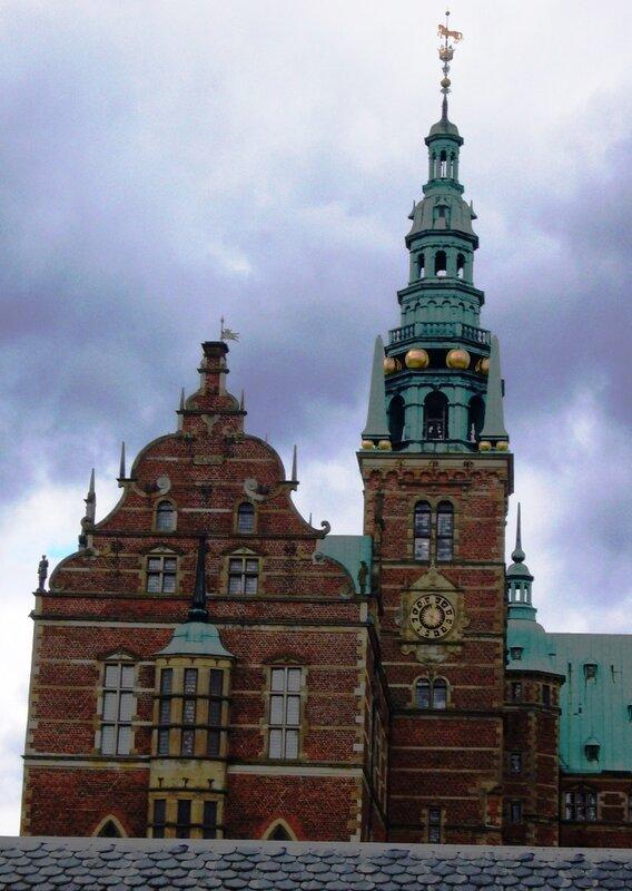 Главная башня королевского замка Frederiksborg.