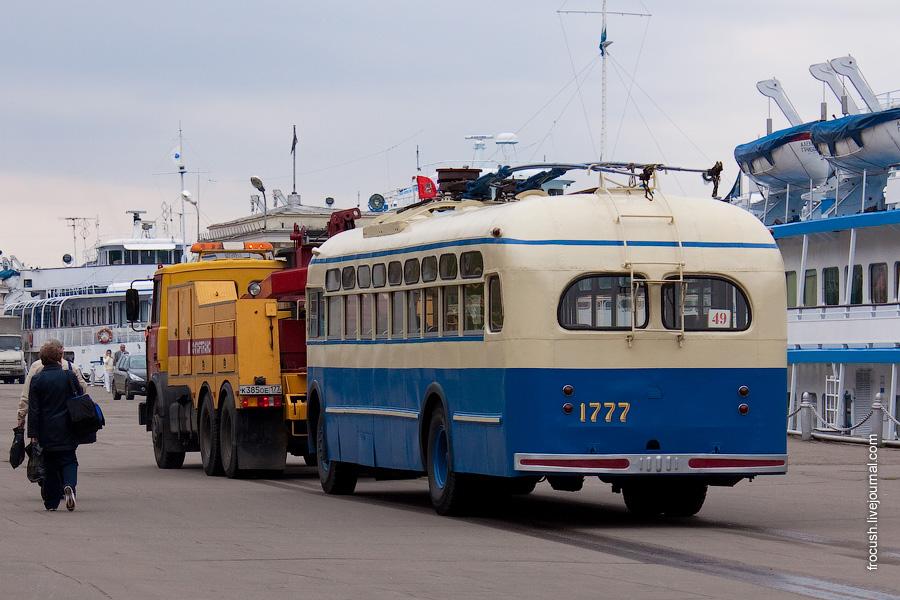 Троллейбус МТБ-82 в Северном речном порту