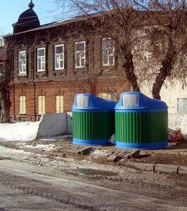 На Почтовой улице новые мусорные контейнеры
