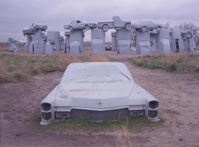 Автомобильный стоунхендж в Небраске