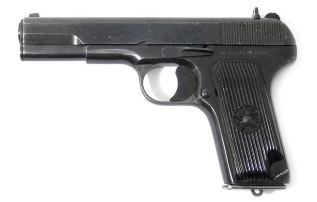ТТ – легендарный пистолет отечественного производства, разработанный в 1930 годах, имеет большую убо