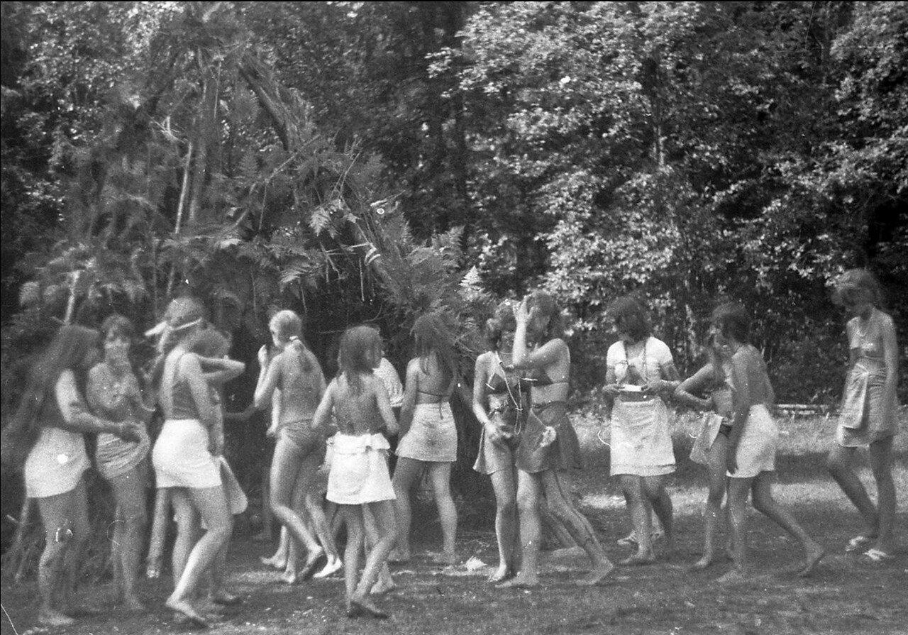 Рассказы пионерский лагерь эро